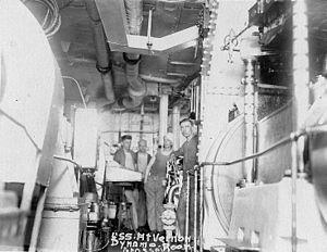 Dynamoraum der USS Mount Vernon (1917-1919).jpg