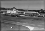 ETH-BIB-Flughafen-Zürich, Flughof, Tower, Flugzeuge-LBS H1-015282-01.tif