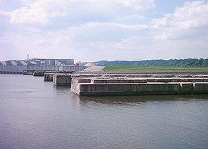 Deutsche Werft - Image: Ehemaliger U Bootbunker Finkenwerder 001