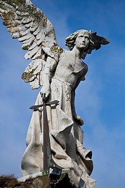 El angel exterminador.jpg