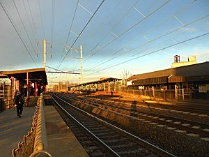 Elizabeth station - A late afternoon train approaches the Trenton-bound platform on the Elizabeth station in January 2015.