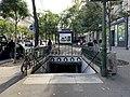 Entrée Station Métro Gobelins Paris 5.jpg