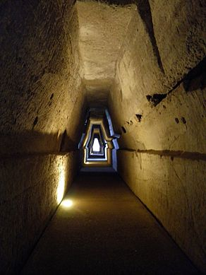 Entrance to the Cave of the Sibyl, Cumae (8138833365).jpg