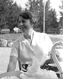 Erna Hamburger (1962).jpg