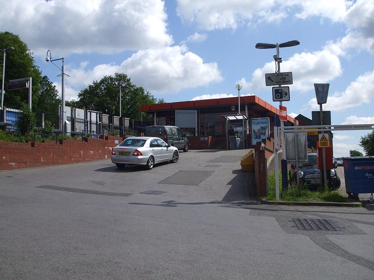 Station Esher Wikipedia