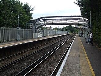 Ewell East railway station - Image: Ewell East stn look south