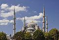 Außenansicht der Sultan-Ahmed-I-Moschee in Istanbul, Türkei 003.jpg