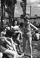 Fűrdőruhás emberek, 1947 Csillaghegyi strandfürdő. Fortepan 79277.jpg