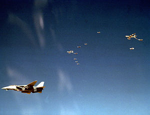 F-14A VF-33 Operation Desert Storm Strike Package Tanking 2.jpg
