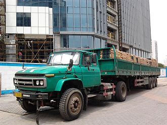 Semi-trailer truck - An FAW semi-trailer truck in China