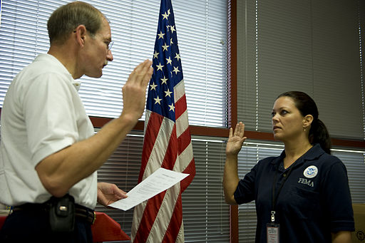 FEMA - 39618 - Deputy FEMA Administrator Harvey Johnson swears in former UTMB worker to join FEMA workforce