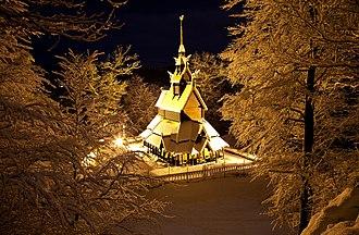 Fantoft Stave Church - Image: Fantoft stavkirke tunli