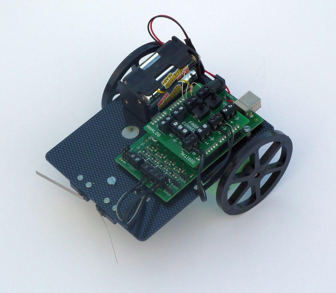 Arduino系統板選購心法 building maker economy:自造達人社群 媒體 平台