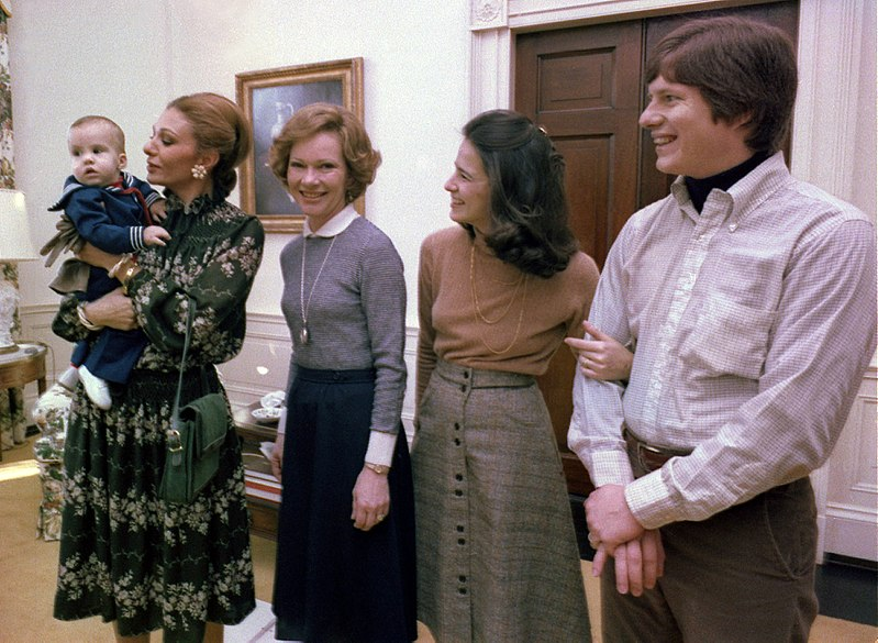 Farah Pahlavi and Rosalynn Carter (cropped and retouched).jpg