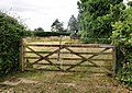 Farm Gate, Eyeworth Lodge - geograph.org.uk - 1407426.jpg