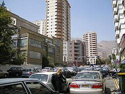 خیابان دیباجی در فرمانیه، رو به سوی شمال به سوی خیابان فرمانیه.