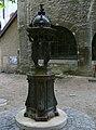 Fontaine place Gravelle - Besançon.JPG