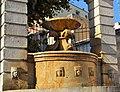 Fontana ferdinandea con acqua.jpg