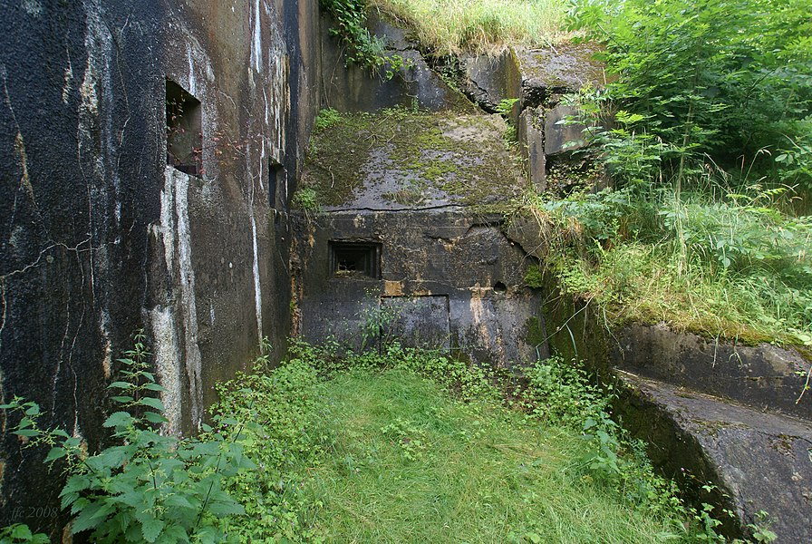 Fort d'Embourg, Chaudfontaine (Belgium): gun embrasures