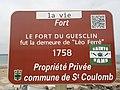 Fort du Guesclin plaque demeure de Léo Ferré.jpg