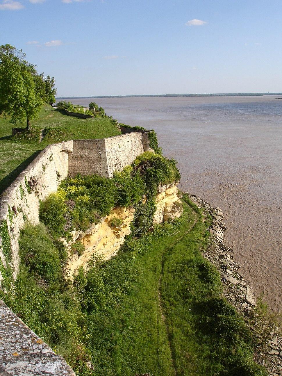 France - Blaye - La Gironde depuis la citadelle