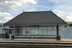 The north side of the METRA shelter at Galewood station.