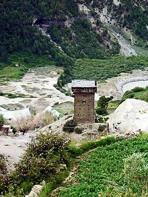 Gandhola Monastery - Gandhola Ṭhākur's seven-storey tower fort