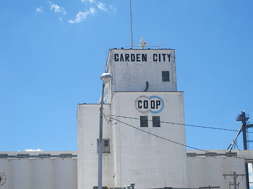Garden City, KS, grain elevator IMG 5871