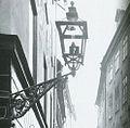 Gatuljus i Stockholm, Västerlånggatan 1904.jpg