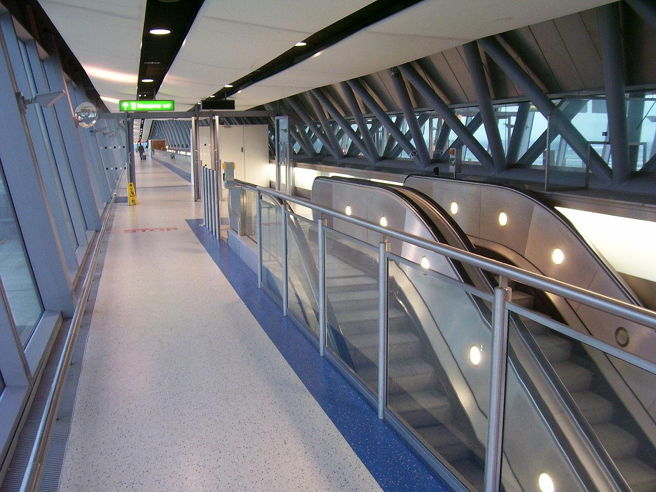 Gatwick Pier  Bridge Glass Replacment