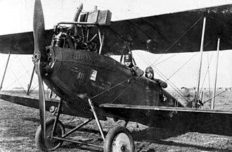 DFW C.V - Image: German DFW C.V with crew in 1918