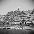 Gezicht op Kaub met ruïne Burg Gutenfels, Bestanddeelnr 254-1152.jpg