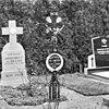gietijzeren grafkruis op kerkhof - appeltern - 20023828 - rce