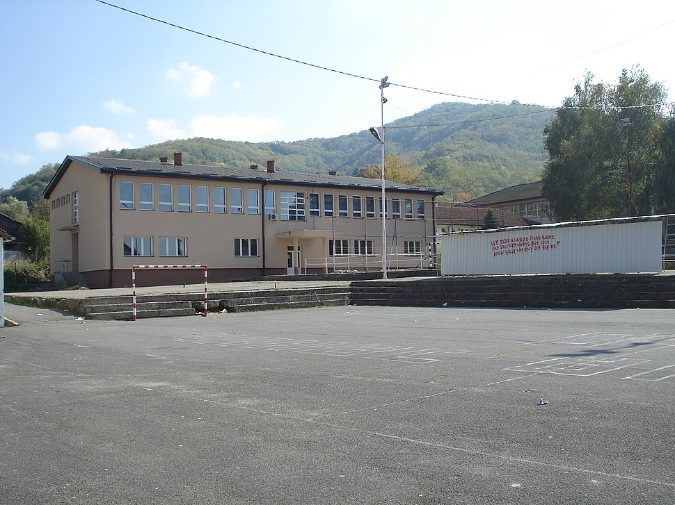 """Gimnazija """"Stevan Jakovljevic"""", mala zgrada 01"""