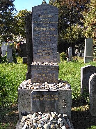Viktor Frankl - Grave of Viktor Frankl in Vienna
