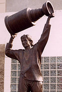 Wayne Gretzky's statue located outside the area