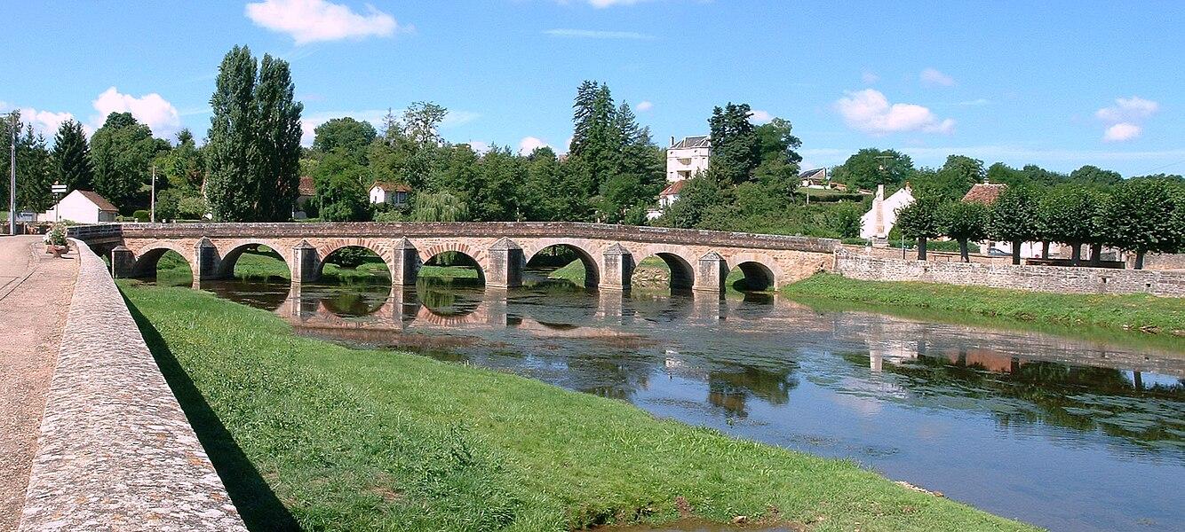 Guillon (Yonne): le pont du XVIe siècle