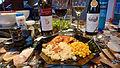 Hähnchen, griech-Nudeln, Mais + Wein.jpg