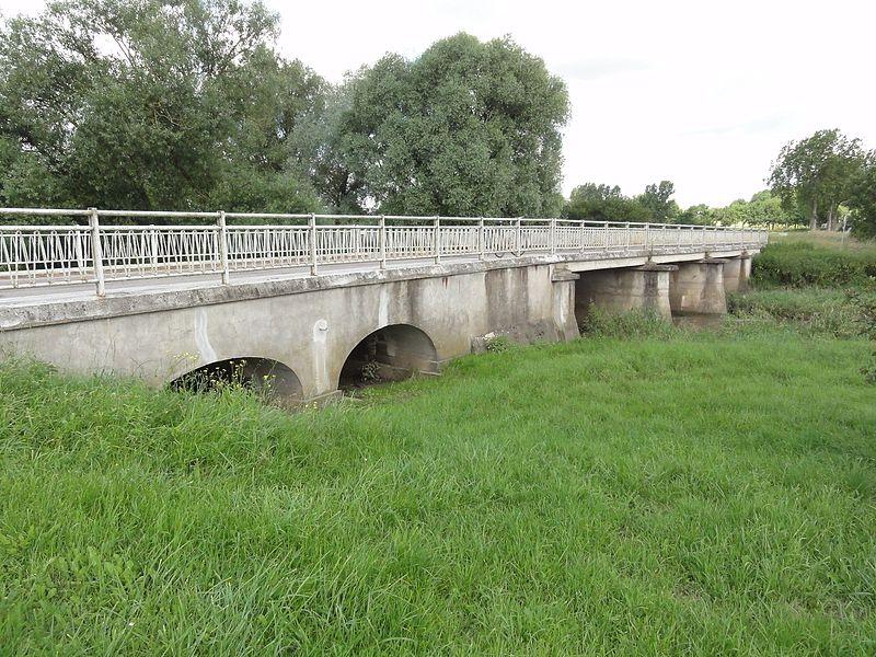Hénamémil (M-et-M) pont du Sânon