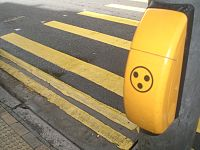 HK Sai Ying Pun 第三街 Third Street traffic light button Pedestrian crossing yellow lines.JPG