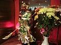 HK Sheung Wan 寶湖金宴酒家 Treasure Lake Seafood Restaurant 關帝神像 red Kwan Kung god statute n yellow flowers May-2013.JPG