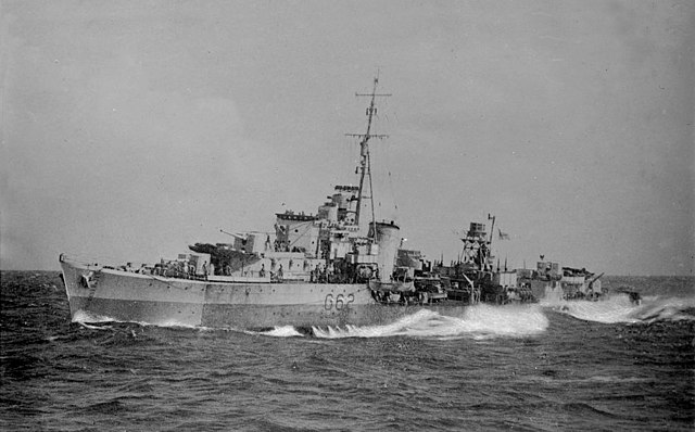 640px-HMS_Quality_%28G62%29_underway_at_sea_on_13_May_1944.jpg