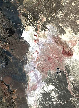 Hamun Lake - Image: Hamoun Oasis salt flatlands 2001 satellite