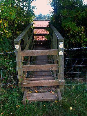 Stile - Bridge-shaped stile in Hanbury, Worcestershire