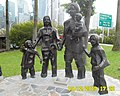 Happy Family of five in Singapore - panoramio.jpg
