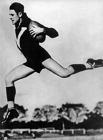 Australian Football Hall of Fame - Image: Haydn Bunton Snr leap
