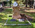 Henri Van Laun Grave 2016.jpg