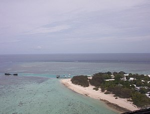 Heron Island (Queensland) - Harbour and Research Station from helicopter