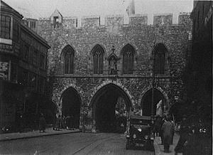 Bargate - Image: High Street Southamptoncirca 1930