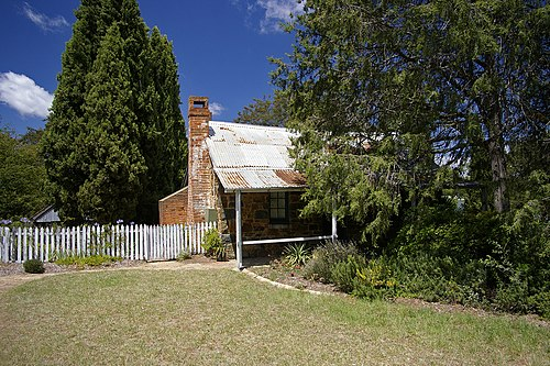 Blundells Cottage, built around 1860, is one of the few remaining buildings built by the first white settlers of Canberra. Historic Blundells' Cottage.jpg